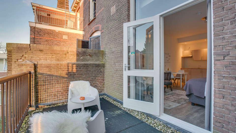 Hotel Oranjestaete  - EDIT_balcony.jpg