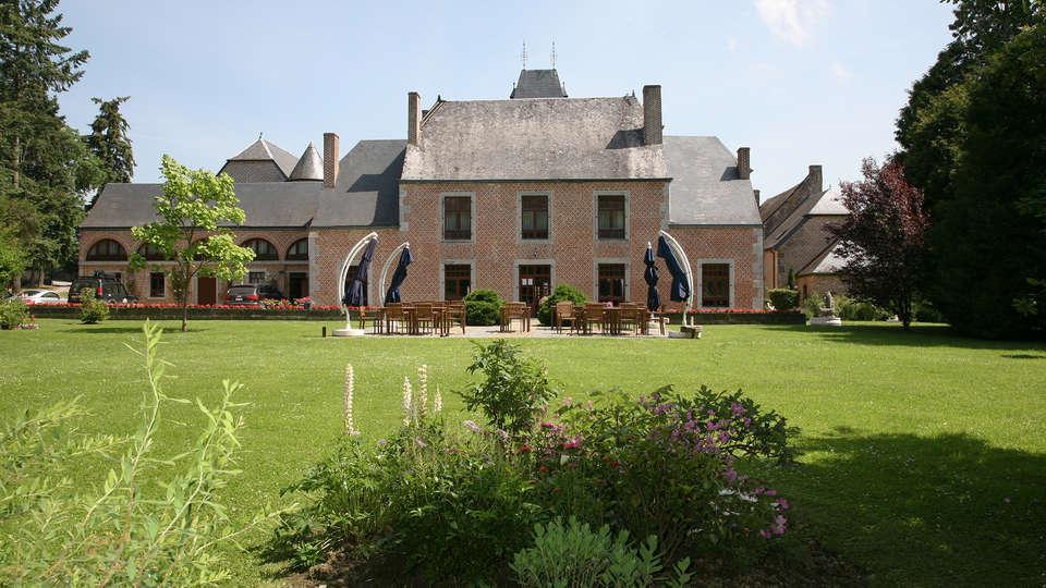 Hôtel Restaurant Château de Vignée - EDIT_frontgarden.jpg