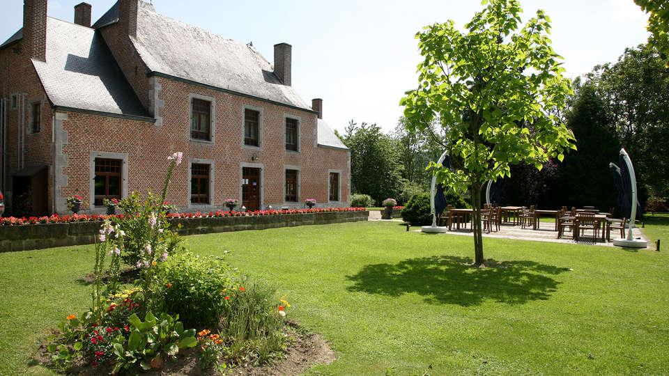 Hôtel Restaurant Château de Vignée - EDIT_terracegarden.jpg