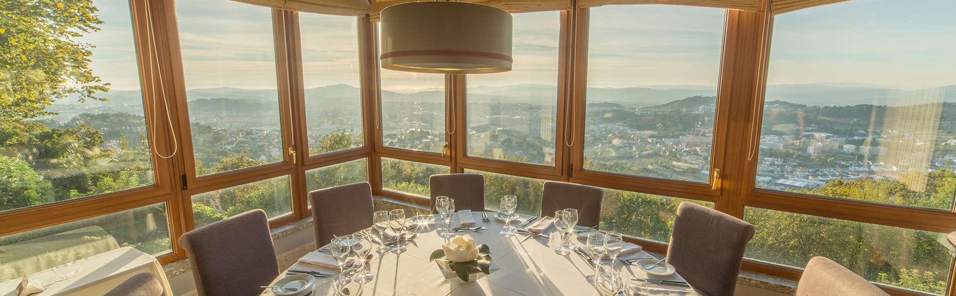 Escapada romántica con Cena y desayuno en la habitación en un hotel con vistas a Braga (2 noches)