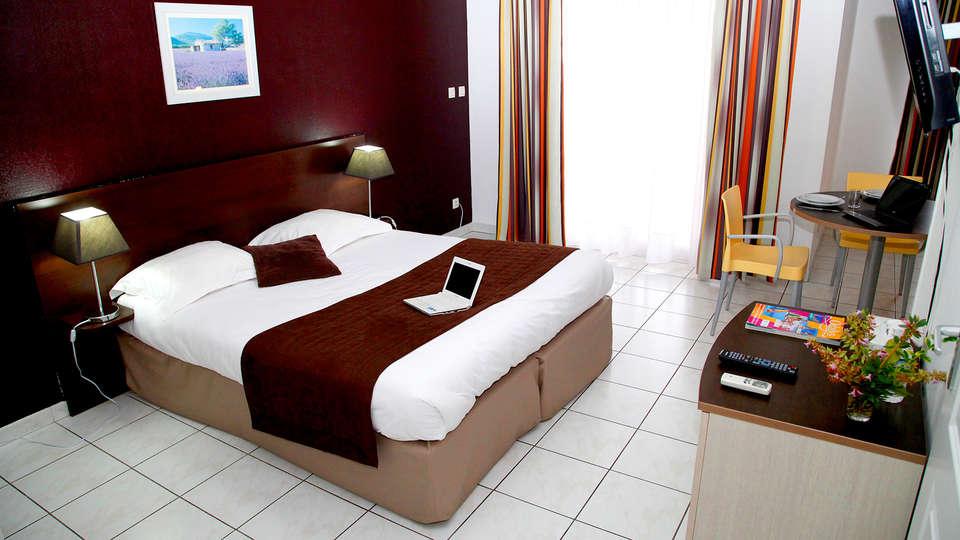 Appart'hôtel Odalys Aix Chartreuse - Edit_Room.jpg