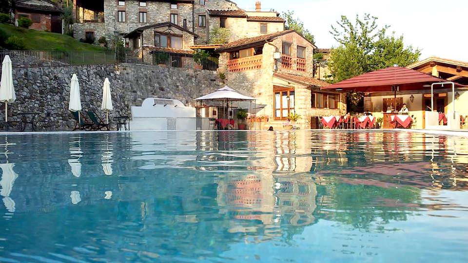 Borgo Giusto - Edit_Pool3.jpg