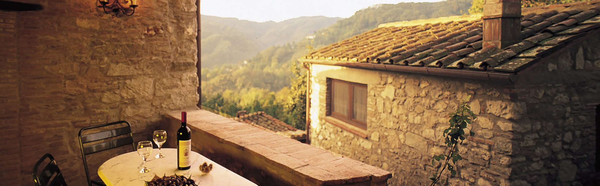 Weekend Romantico Borgo a Mozzano con prima colazione ...
