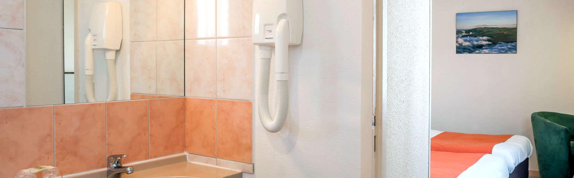 Le Relais des Puys - Edit_Bathroom.jpg