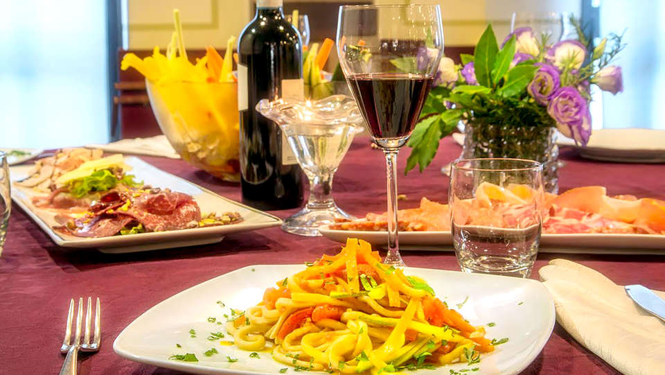 Hotel Sporting Gubbio - Edit_Restaurant3.jpg