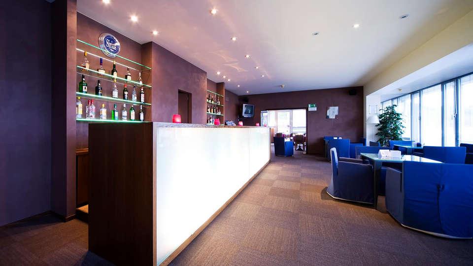Hôtel Sirius - EDIT_bar.jpg