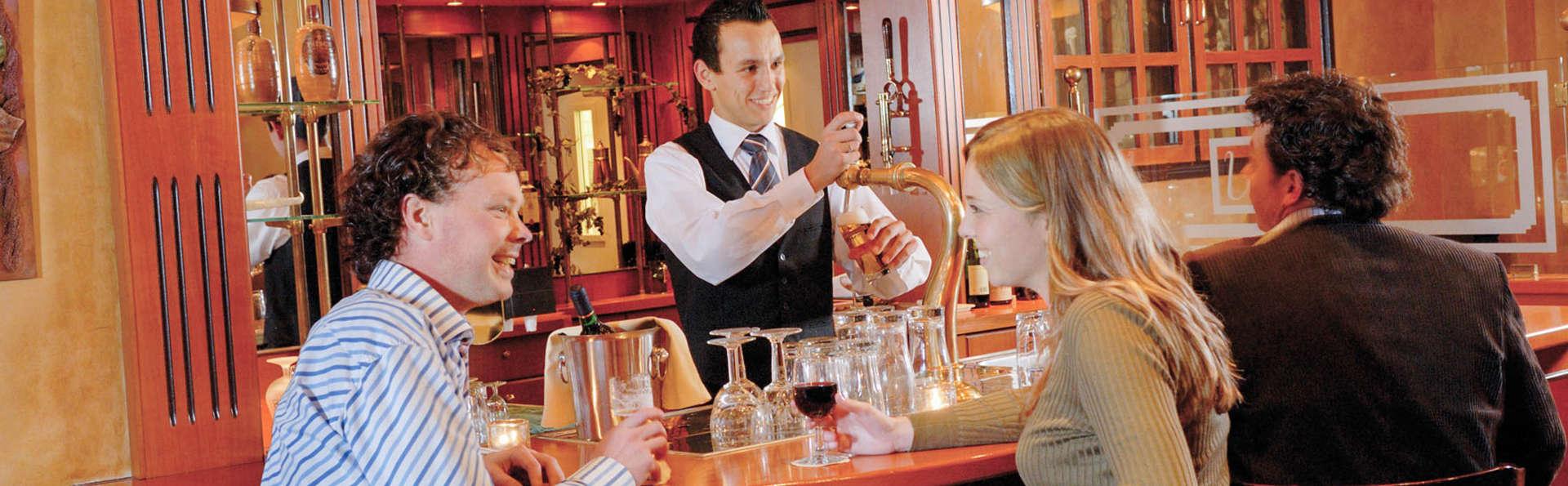 Hotel Umberto – Nijmegen - EDIT_bar.jpg