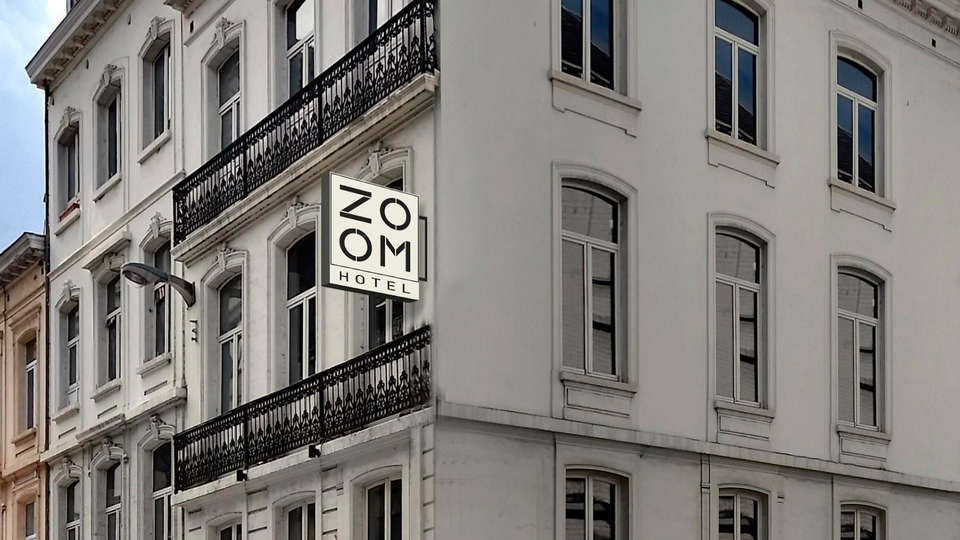 Hotel Zoom - EDIT_front.jpg