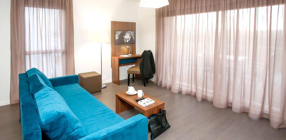 appart 39 hotel odalys metz manufacture metz frankrijk. Black Bedroom Furniture Sets. Home Design Ideas