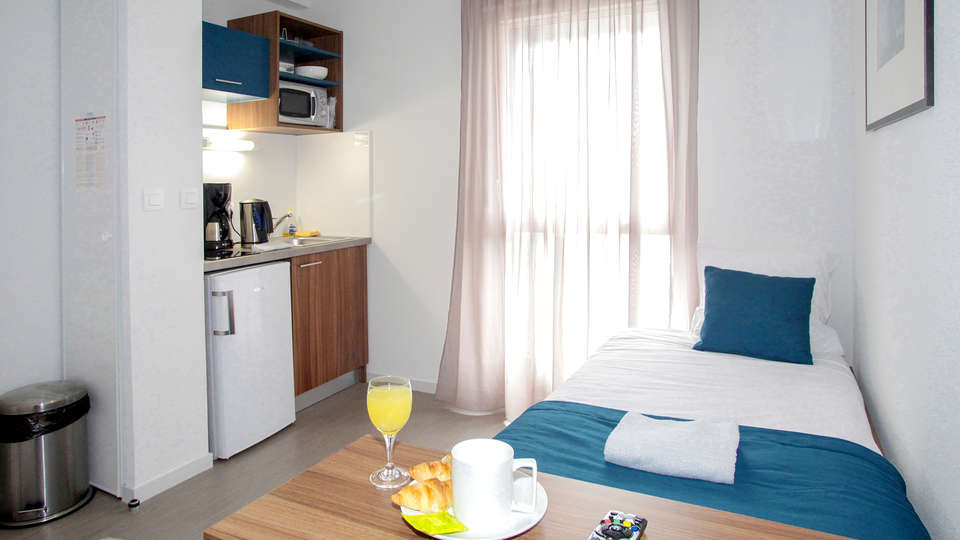 Appart'Hotel Odalys Saint Jean - Edit_Room2.jpg