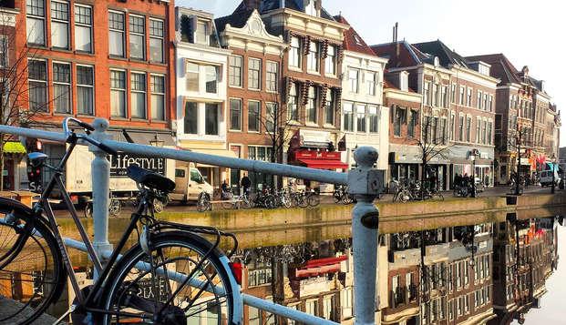 Bubbels en hapjes tijdens een weekendje weg in Leiden (vanaf 2 nachten)