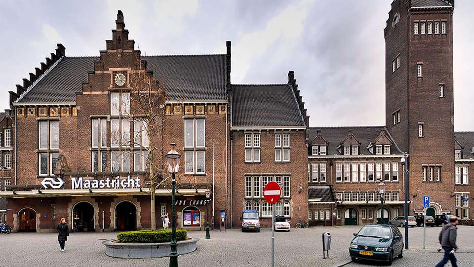 Kaboom Hotel - EDIT_front2.jpg