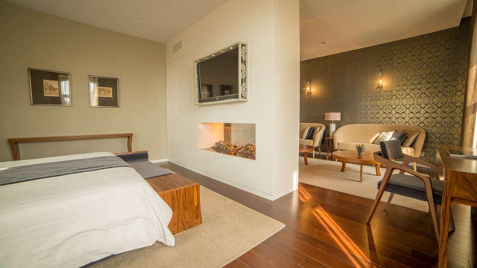 Hotel do Parque - EDIT_room2.jpg