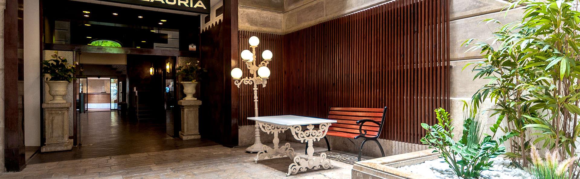 Hotel Lauria - Edit_Entrance.jpg