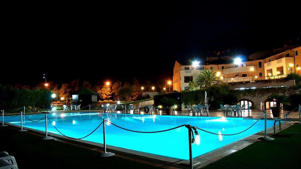 Heraclea Hotel Residence - Edit_Pool.jpg