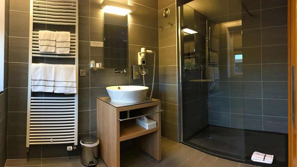 L'Auberge et sa Résidence - EDIT_bath.jpg