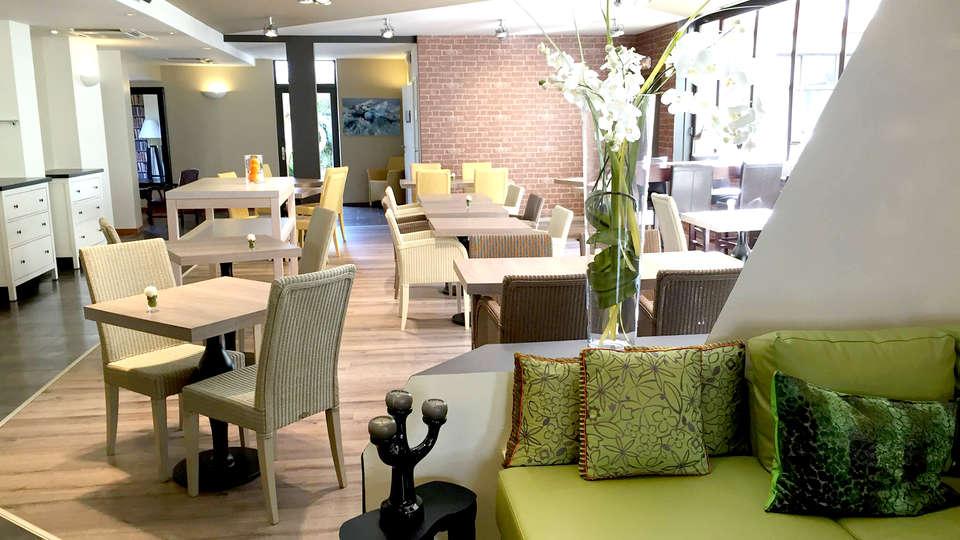 Best Western Hôtel Kregenn - Edit_Restaurant3.jpg