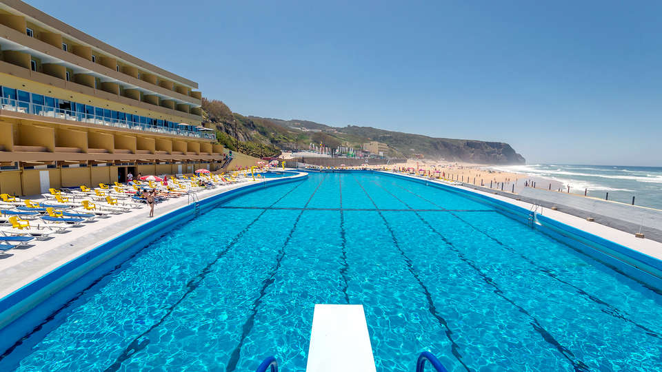 Arribas Sintra Hotel - Edit_Pool.jpg