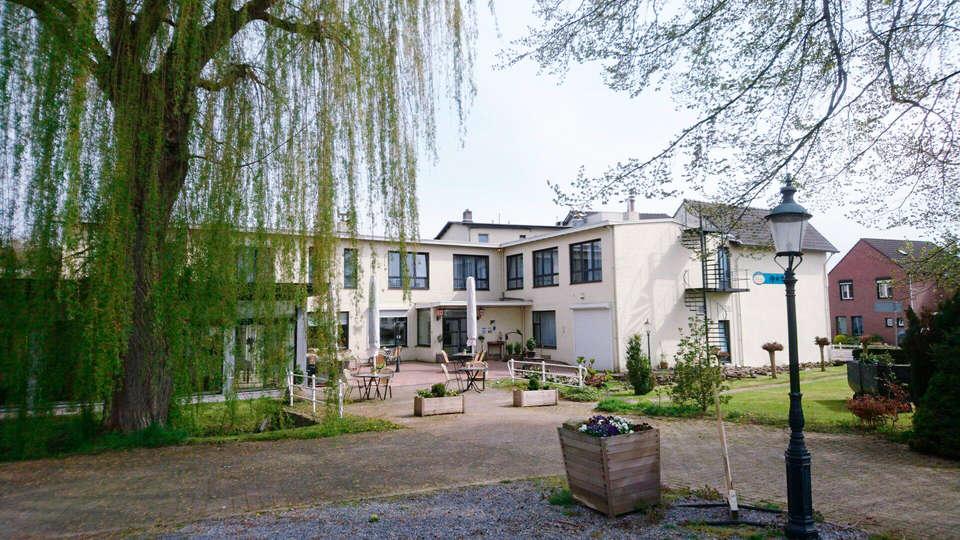 Hotel Restaurant Op De Beek - EDIT_front.jpg