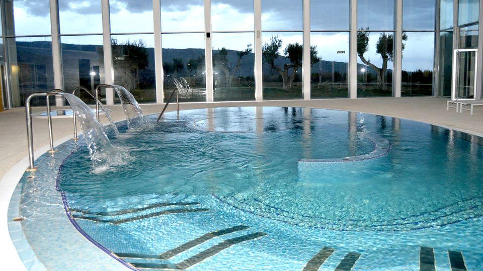 Hotel Balneario de Grávalos - Edit_Pool.jpg