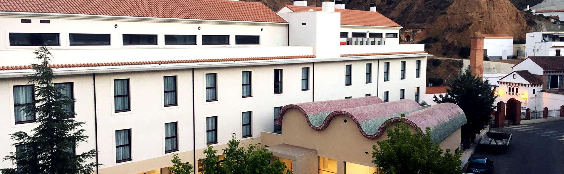 Hotel Balneario de Graena - Edit_Front3.jpg