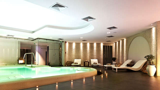Therasia Resort Sea Spa