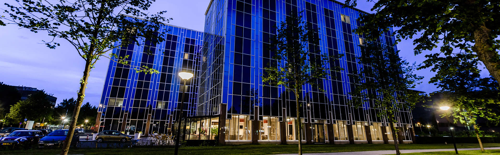OZO Hotel Amsterdam - EDIT_Exterior.jpg