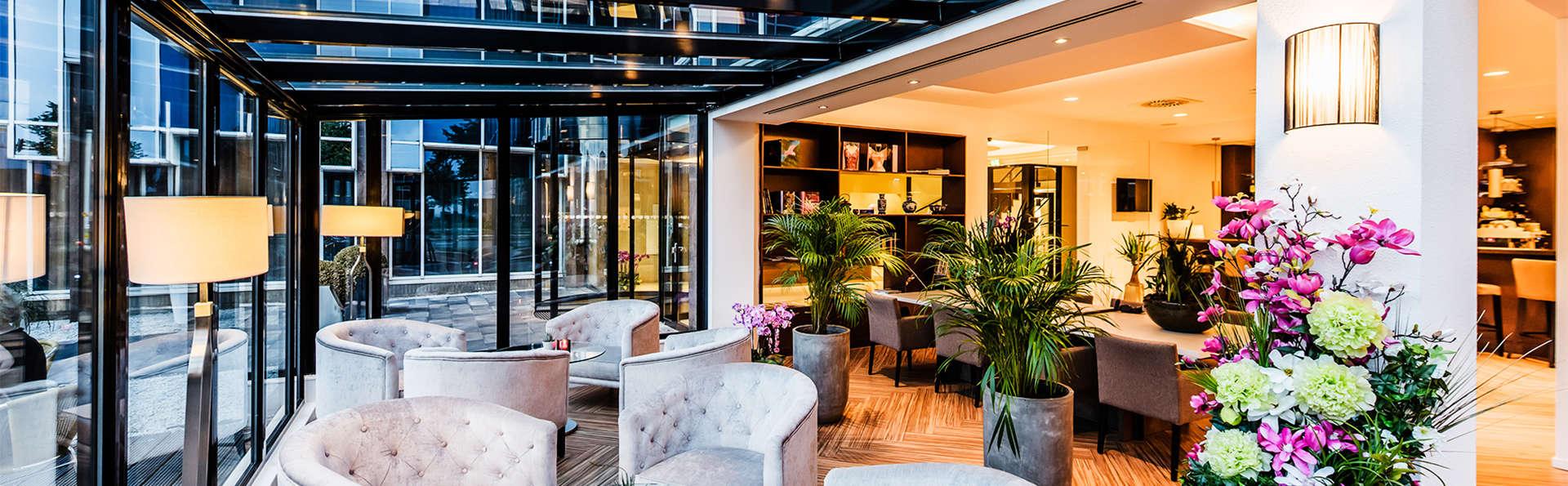 Escapada a un fantástico hotel de lujo en el corazón de una ciudad de cuento: Ámsterdam