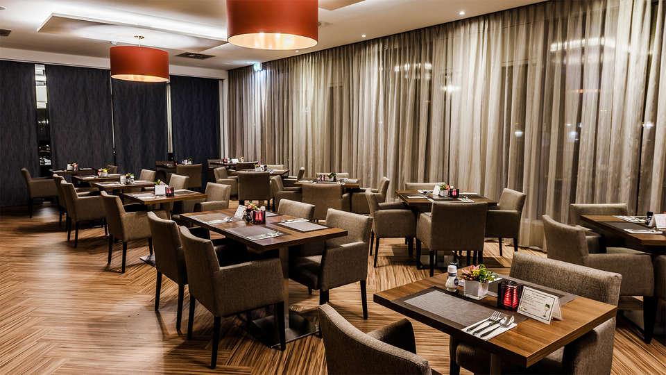OZO Hotel Amsterdam - EDIT_Restaurant1.jpg