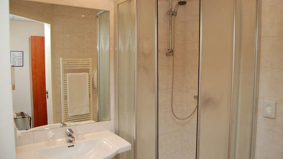 Fletcher Hotel Restaurant Amersfoort - EDIT_bath2.jpg