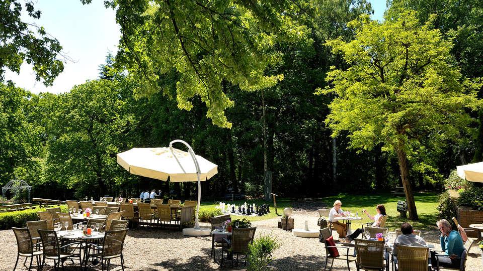 Fletcher Hotel Restaurant Amersfoort - EDIT_terrace.jpg