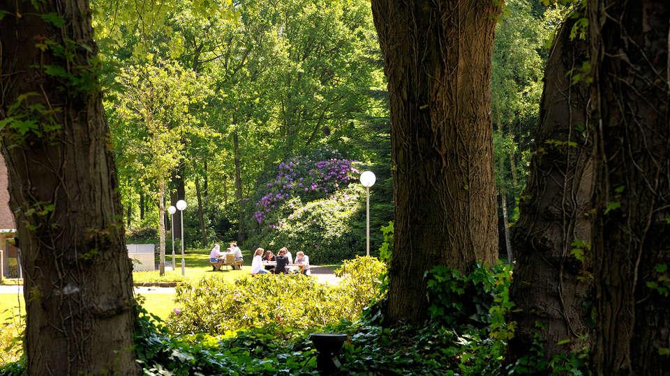 Fletcher Hotel Restaurant Amersfoort - EDIT_garden.jpg