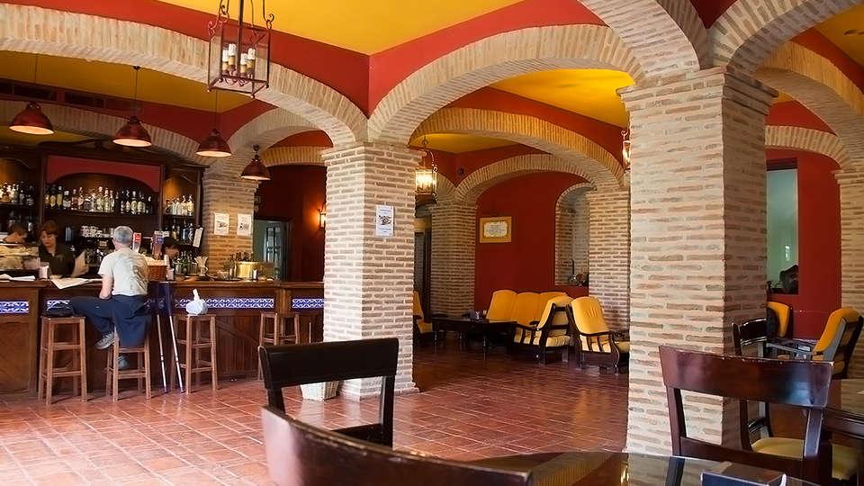 Hotel Balneario El Raposo - EDIT_Bar.jpg