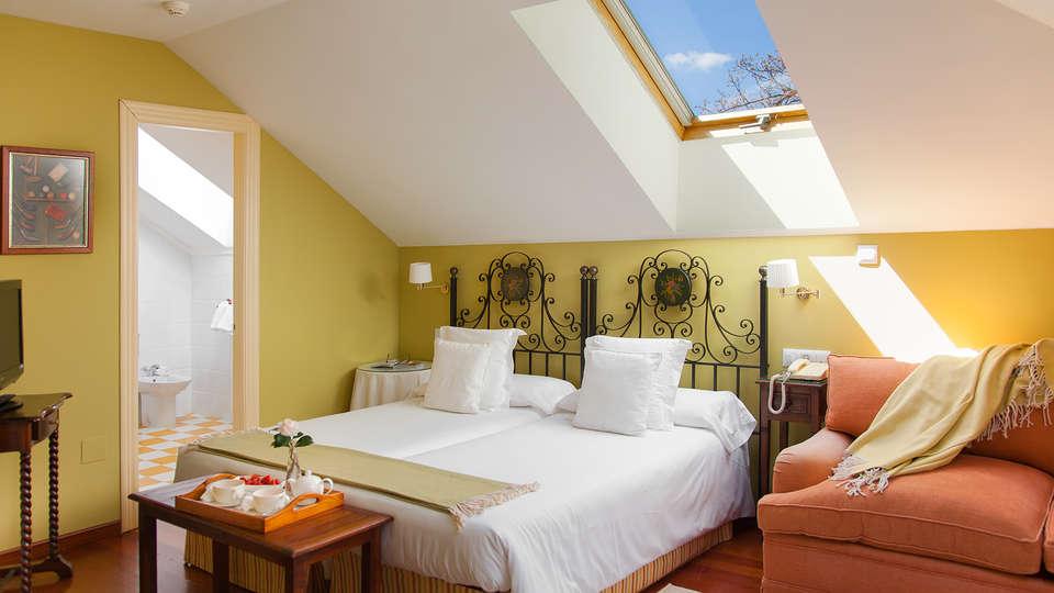 Hotel y Apartamentos Casona de la Paca - EDIT_room12.jpg