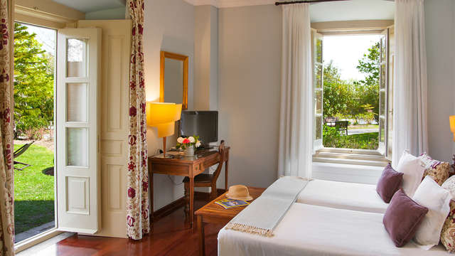 Hotel y Apartamentos Casona de la Paca