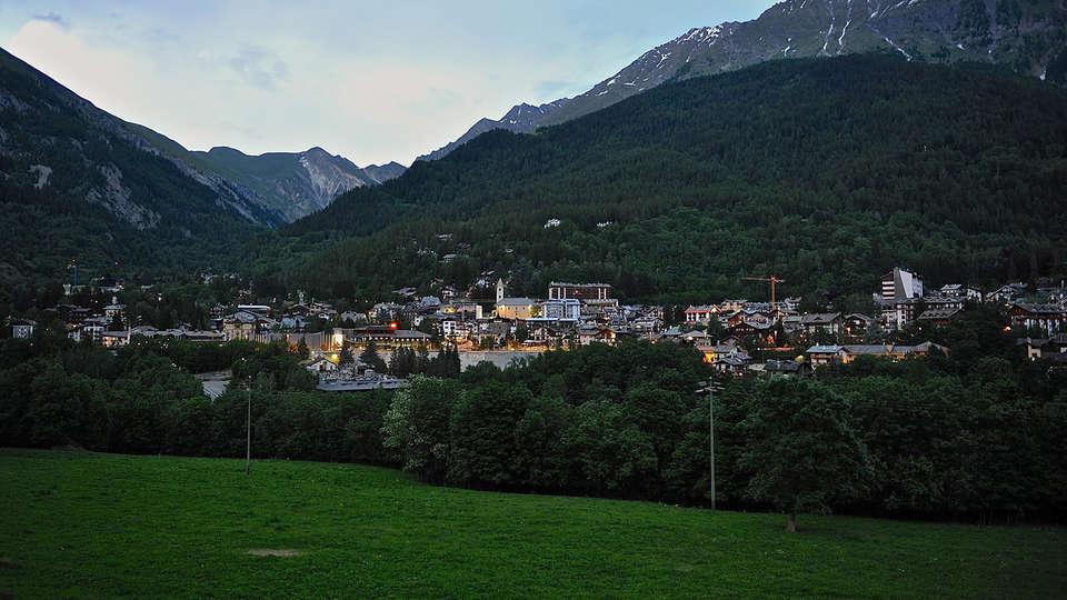 Hotel Lo Scoiattolo - Edit_Destination.jpg