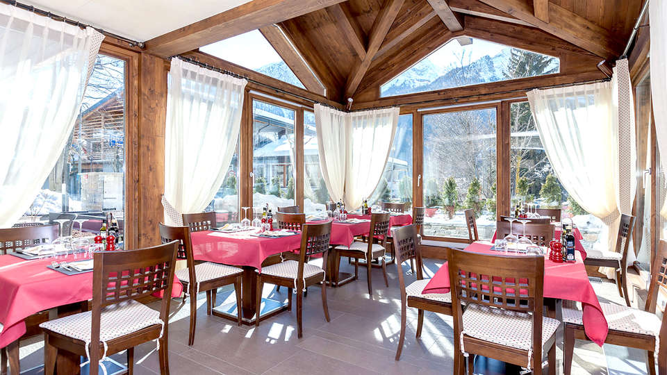 Hotel Lo Scoiattolo - Edit_Restaurant2.jpg