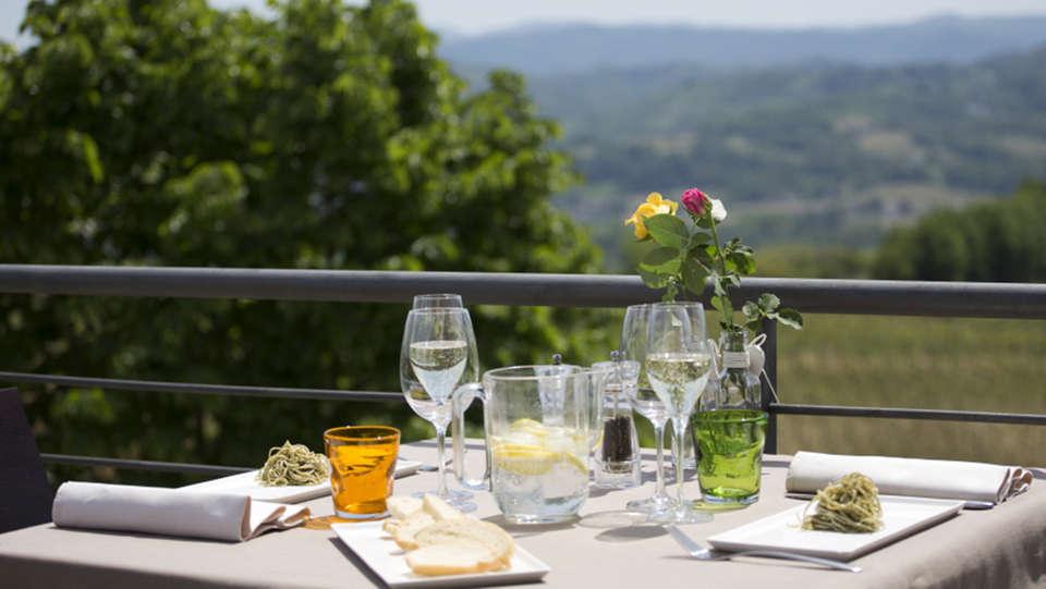 Agriturismo Cascina Marcantonio - EDIT_NEW_restauranterrace.jpg
