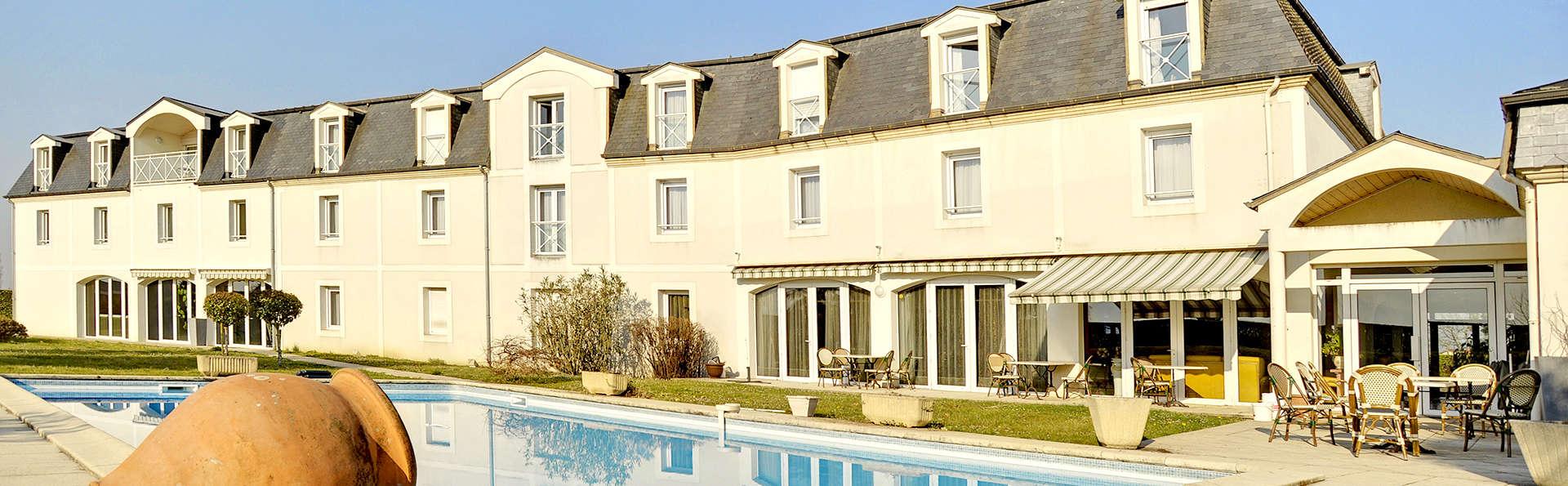 Alysson Hôtel - Edit_Front.jpg