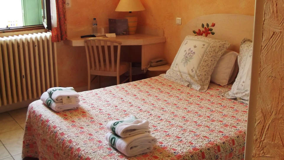 Hôtel Muret - EDIT_room2.jpg