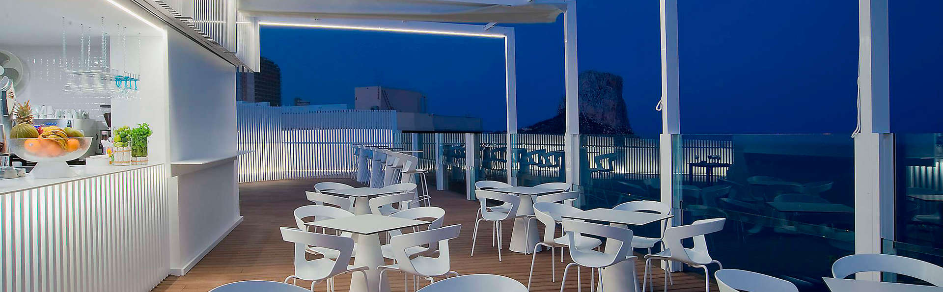 Hotel Bahía Calpe by Pierre & Vacances - EDIT_terracebar1.jpg