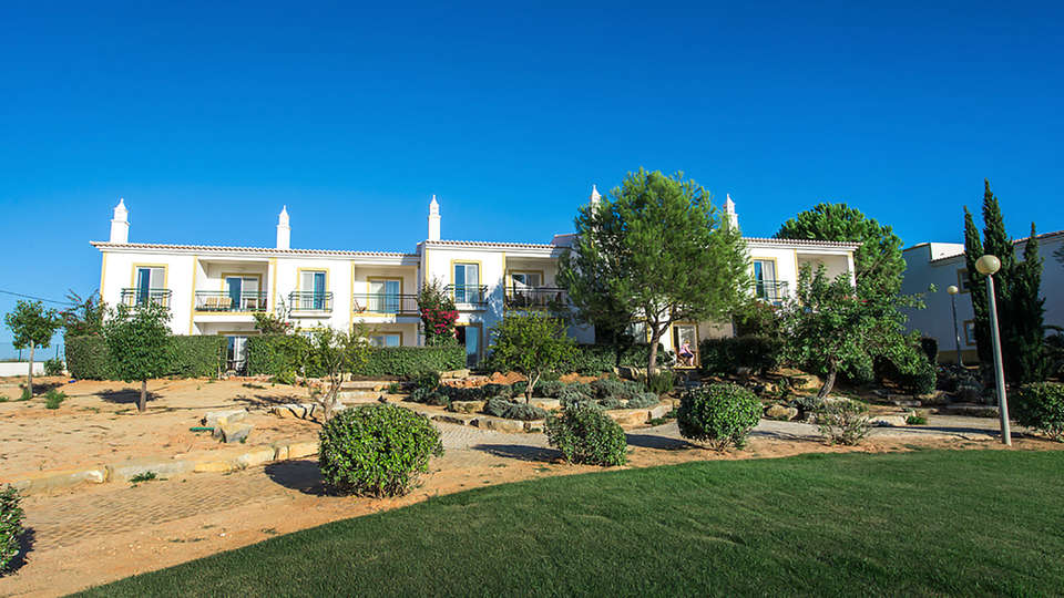Vale d'El Rei Hotel & Villas - Edit_Front2.jpg