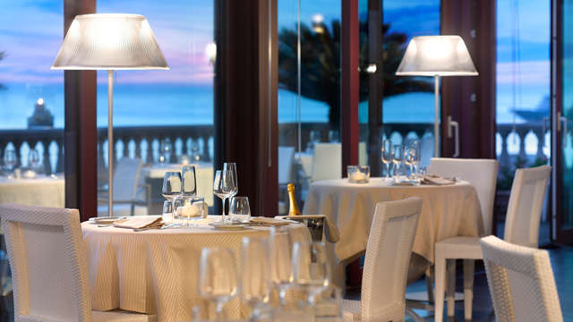 Weekend davanti al mare di Livorno con cena e spa