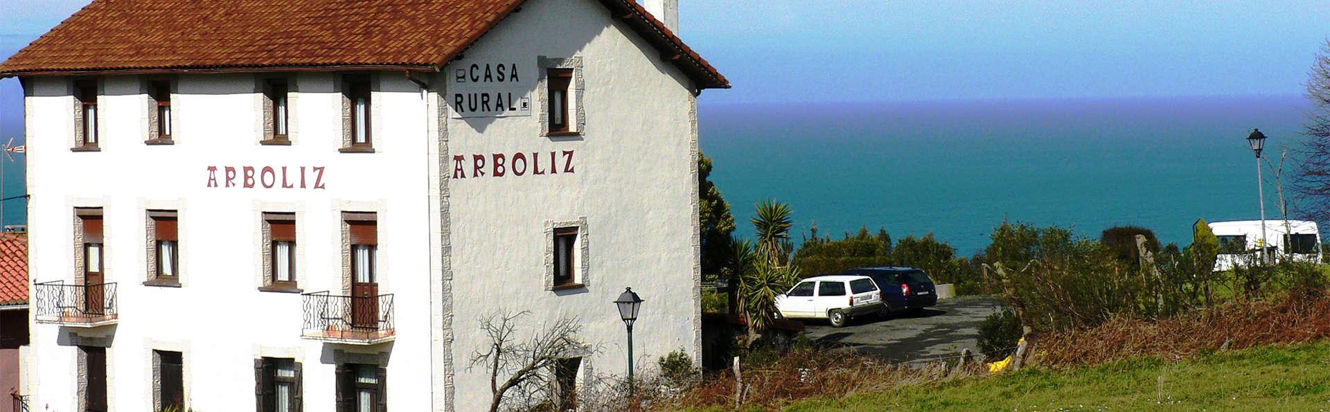Casa Rural Arboliz - EDIT_Exterior.jpg