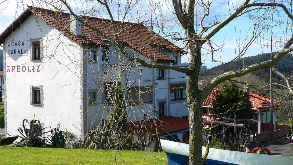 Casa Rural Arboliz - EDIT_Exterior1.jpg