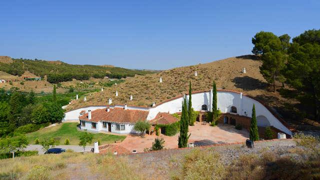 Casa cueva para 4 personas y 2 dormitorios en Guadix