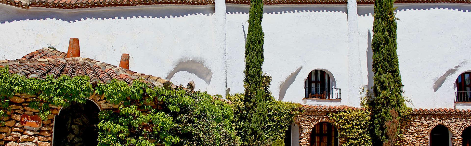 Cuevas del Tio Tobas - EDIT_Exterior.jpg