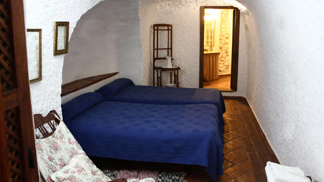 Vive un cuento de hadas y escápate en una casa cueva típica de Guadix