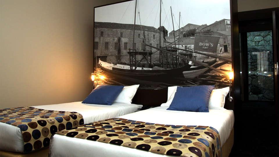 Douro Palace Resort & Spa - EDIT_Room3.jpg
