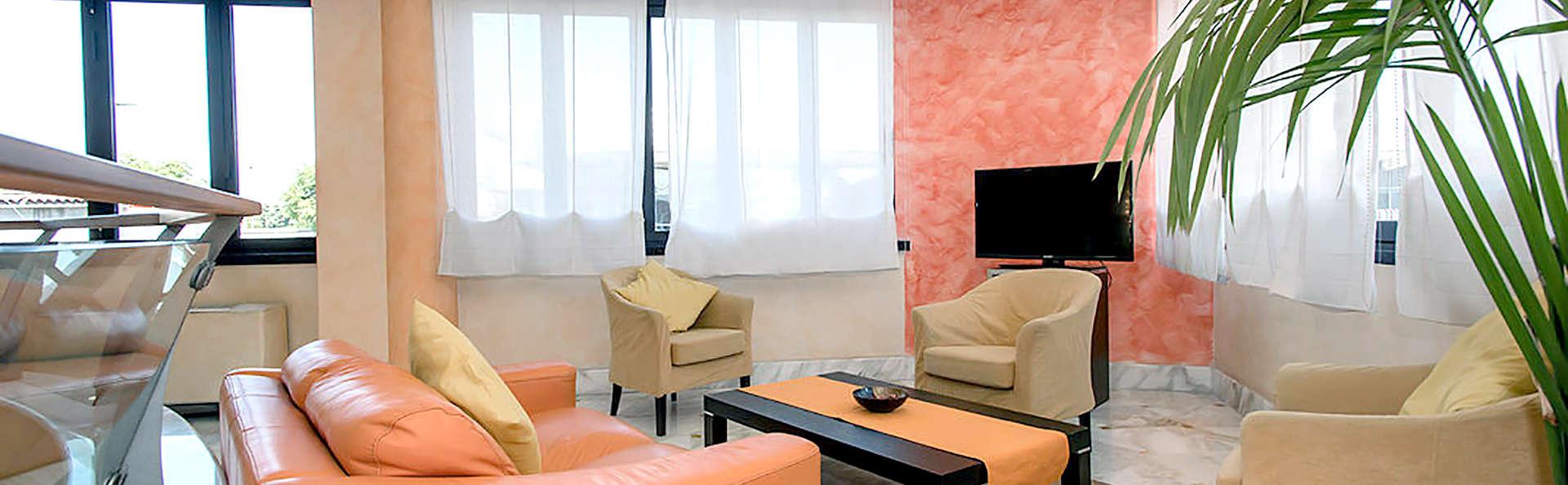 Hotel La Mela - EDIT_HALL.jpg
